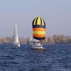 Прогулки по реке днепр на парусной яхте