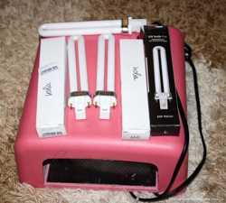 Лампа УФ-для наращивания ногтей .