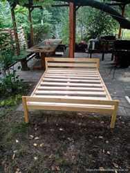 Кровать двухспальная из натурального дерева  2