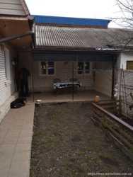Часть двух этажного дома по Хлебной , отдельный двор