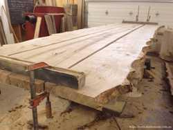 Дизайнерские столы из дерева 1