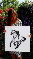 Стринг Арт Черная лошадь, Черно-белое панно, минимализм декор конь