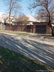 продам дом с участком в Харькове