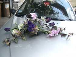 Прокат цветочных композиций для украшения свадебного автомобиля 2