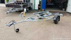 Прицеп для перевозки лодки ПВХ длиной от 3м до 4,5м.