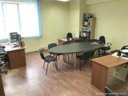Сдам  офис  120 кв/м., ул. Святошинская, Святошинский  р-н. 4 этаж, 4 комнаты. 2