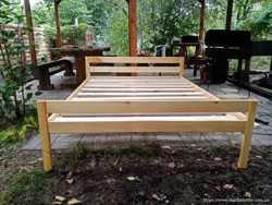 Кровать двухспальная из натурального дерева  3