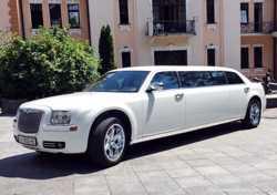 004 Лимузин Chrysler 300C Disco