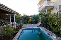 Продается жилой дом в центре 340кв.м. 2этажа ул. Авдеева с басейном