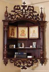 Предлагаем домашний иконостас из дерева. 1