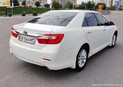152 Toyota Camry V50 белая прокат авто  3