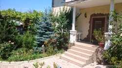 Продается жилой дом в центре 240кв.м. 2этажа район Матюшенко с бассейном
