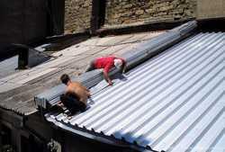 Ремонт крыш балконов, домов, гаражей. Рубероид, профнастил, шифер.