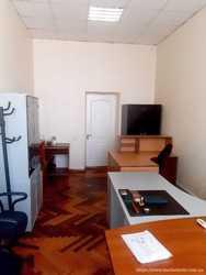 Сдам  офис 18,6  кв/м., ул. Мельникова, Шевченковский  р-н. 4 этаж, 1 комната, без лифта. 2