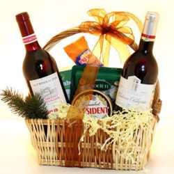 Новогодние корзины для поздравления партнеров.Подарок на Новый год-корзина с фруктами и шампанским 2