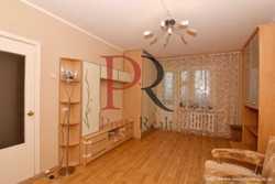 Продам 1-к квартиру Киев, Дарницкий 3