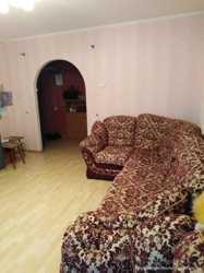 Трехкомнатная квартира в Ленинском районе с мебелью и ремонтом