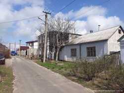 Продаю дом Матвеевка центр вид на реку 38 тыс$ или обмен на квартиру
