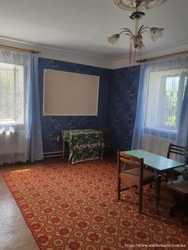 Продам дом 2 этажа в Александровке. 2