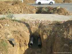 Проколы под дорогой в Белозерке. Водопровод. Канализация. Выгребная ям