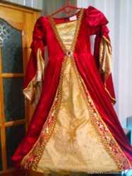 Продается нарядное,праздничное платье для девочки