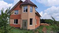 Продається будинок в мальовничому селі Матюші.